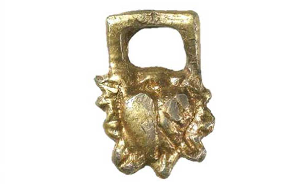 Much Hadham 16th Century silver-gilt hooked tag